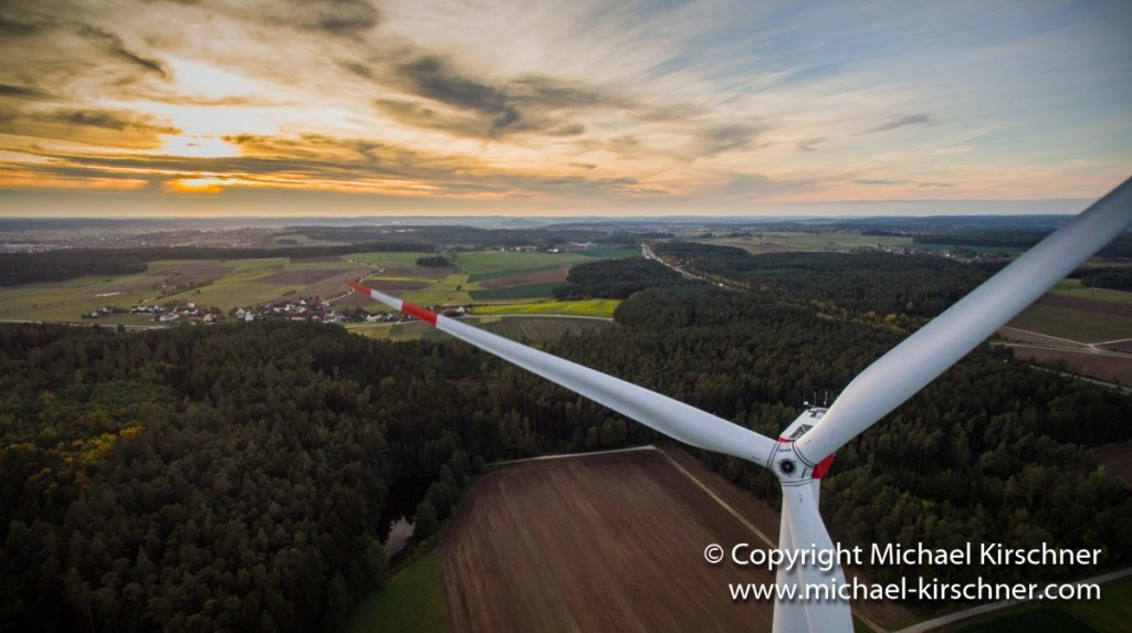 Luftbildaufnahme-Windkraft.jpg