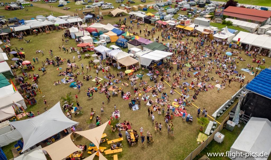 Luftaufnahme des SUNRISE Reggae & Ska Festival Burtenbach 2016